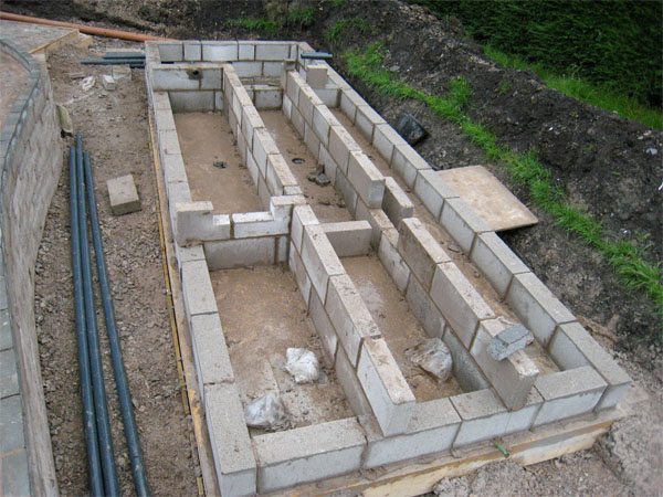 """Walls for the three rivers has commenced in 4"""" solid block"""